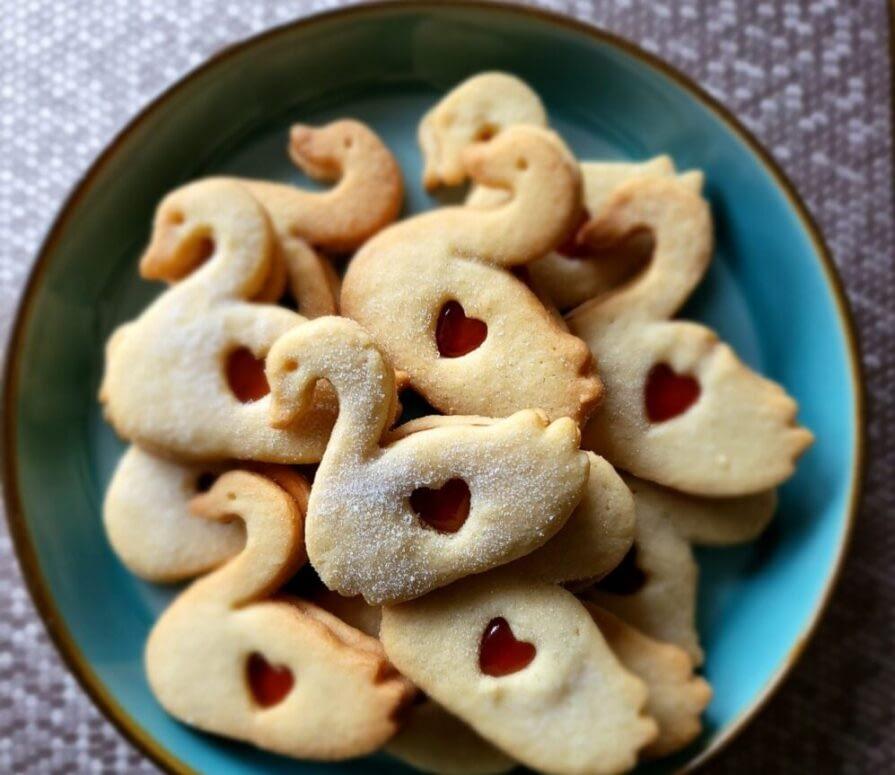 SWANNIE-DODGERS-As-it-was-biscuit-week-on-the-Great.jpg